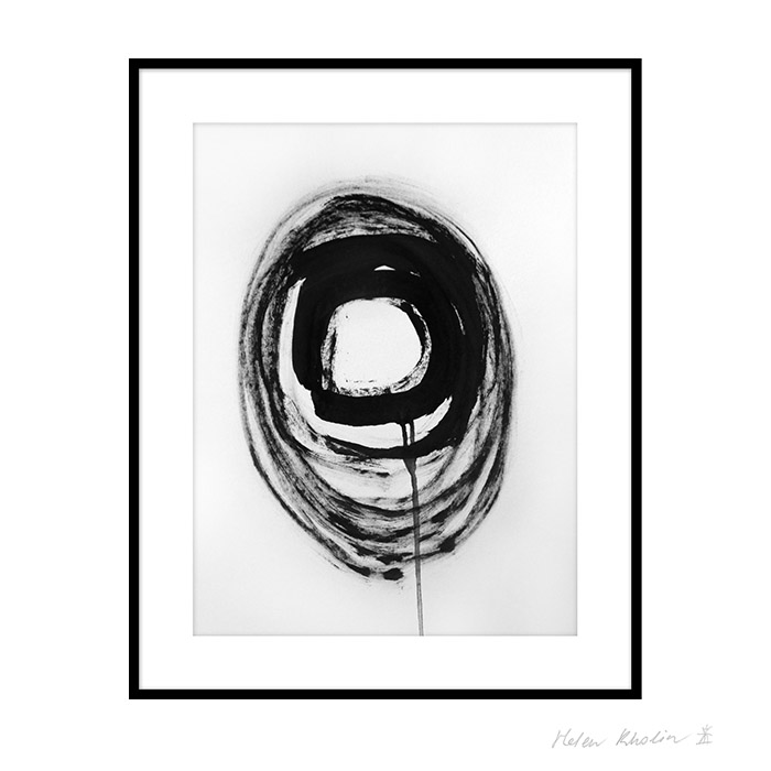 1 space 1 helen kholin graphic hvid og sort ink paa papir 30x40 ramme